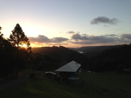 Maleny Tropical Retreat: sunset from Candi dasa