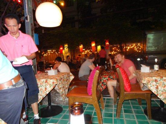 Sawasdee House : restaurant draußen outside