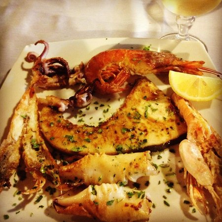 Mixed seafood grill at Mohamed's I 4 Scalini