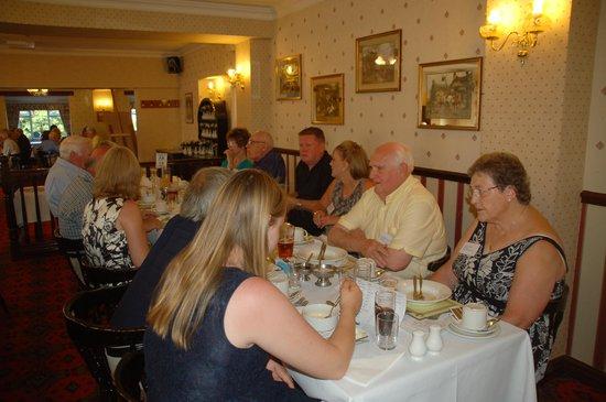 Appleby Inn Hotel: Enjoying Sunbeam Talbot Alpine Register National Rally Dinner