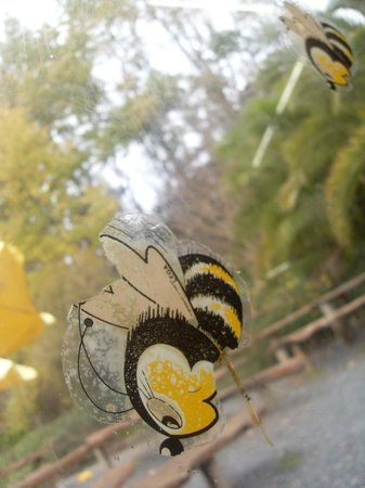 Honey Cafe: Cute honey bee window art :]