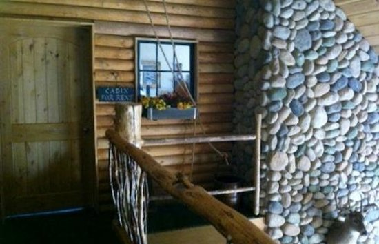 Careywood, ID: Cabin Style Entrance to Upstairs Suite