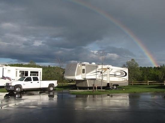Jackson Rancheria RV Park : A very cool rainbow