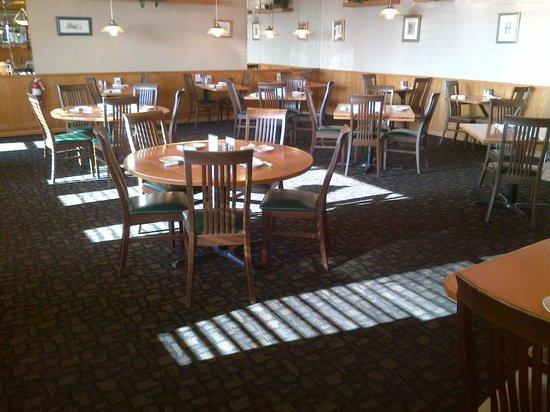 Pine Grove Restaurant : Main Dining Area