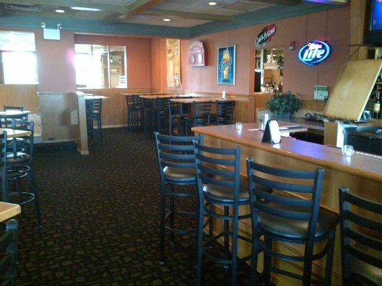 Pine Grove Restaurant: Lounge Area