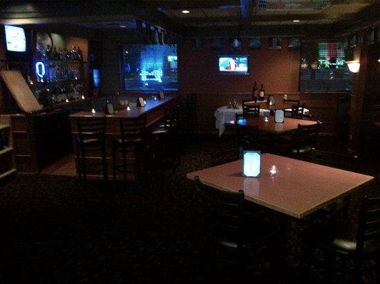 Pine Grove Restaurant : Lounge Area after dark