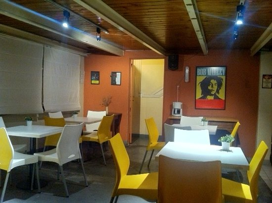 Petit Recoleta Hostel: Bar