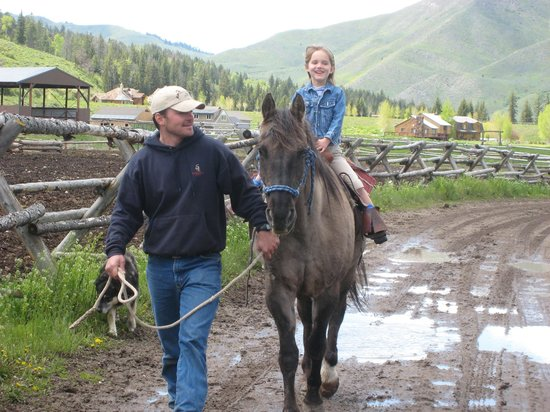 Spotted Horse Ranch: Even the young ones have fun!