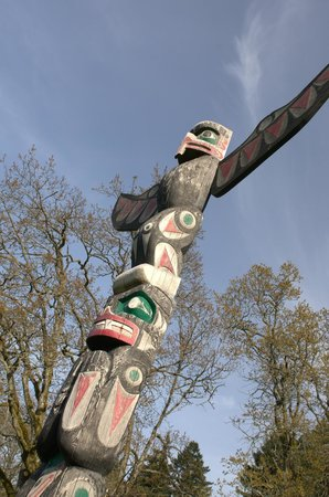 Nanaimo, Canadá: Totem by Noel Brown