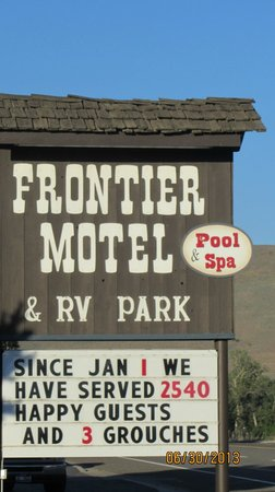 Frontier Motel & RV Park: The motel sign