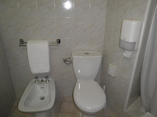 Hotel Magellan: Bathroom.
