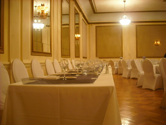 The Tiger Hotel: Ballroom set up for wedding reception