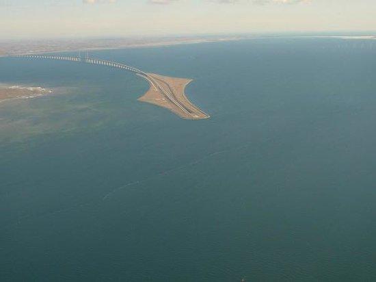 Øresundsbron : Oresund bridge from the airplane