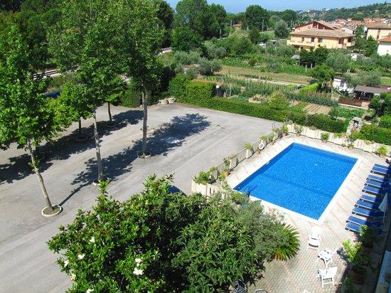 Hotel La Darsena : Piscina e Parcheggio