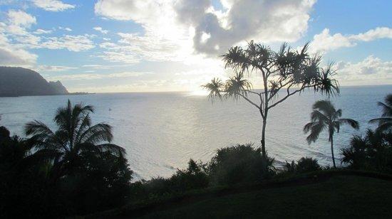 Marc at Princeville Pali Ke Kua: Silvery sea every afternoon