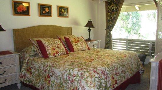 Marc at Princeville Pali Ke Kua: Upstairs master bedroom