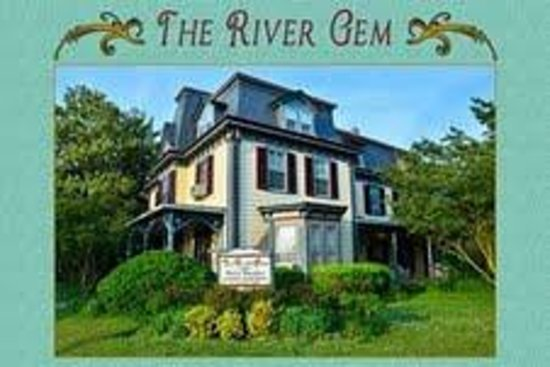 The River Gem BnB on the corner of 2nd and Walnut