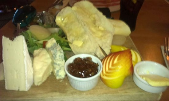 The Hare and Hounds: Ploughmans