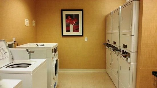 Residence Inn Bryan College Station: Laundry Facilities