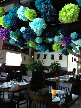 Mango Thai Cusine & Bar: Decore inside the restaurant