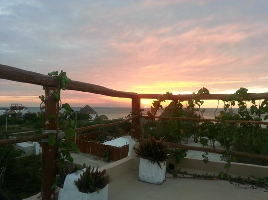 Casa BlatHa: atardecer en la terraza/sunset on the roof