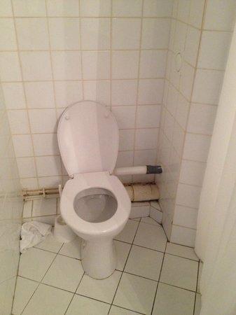Adagio Access La Defense Place Charras: Bathroom
