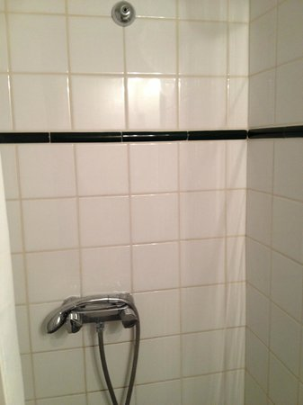 Adagio Access La Defense Place Charras : Bathroom