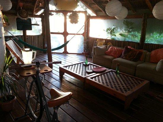 كازا بلاثا: salón comunal/communal living room