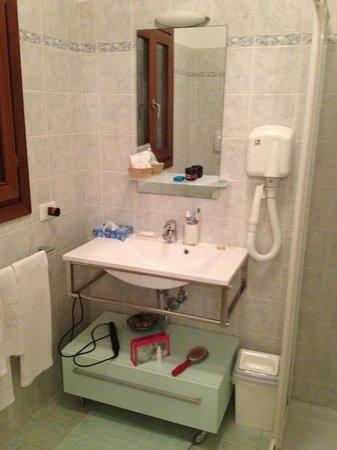 Ca' del pomo grana: Bathroom