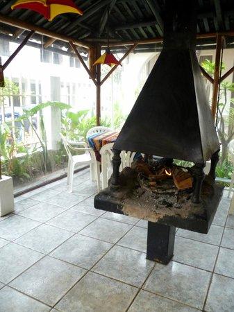 Plantas & Blanco's Hostel : Fire pit