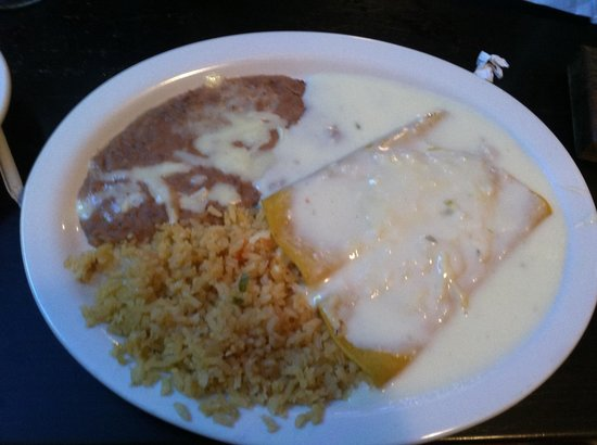 Habaneros Mexican Grill: Cheese enchiladas with queso.  Bland!