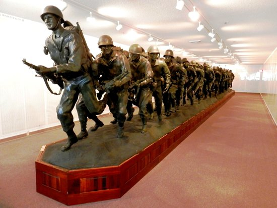 Veterans Memorial Museum: Largest Bronze Statue Commemorating Veterans In The World