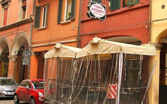 Pizzeria Spacca Napoli: fachada da pizzaria