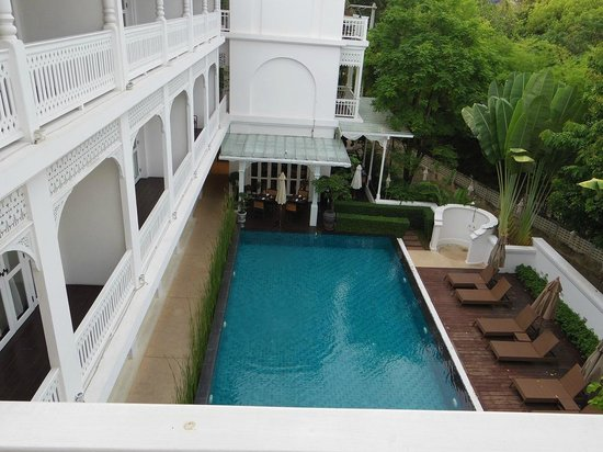 Ping Nakara Boutique Hotel & Spa: Pool view from the room on level 3