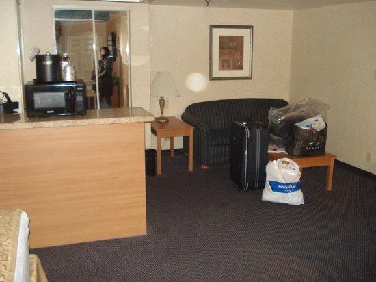 BEST WESTERN PLUS InnSuites Ontario Airport E Hotel & Suites: quarto