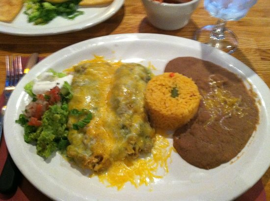Fiesta Bar & Grill: chicken tamales