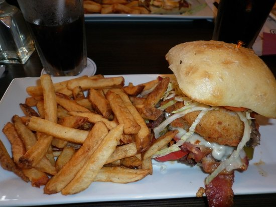 Zander's Fire Grill and Brew Lounge: Thunderstruck Burger