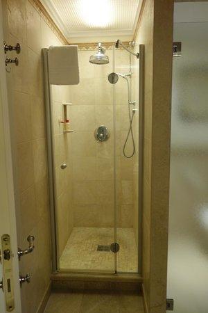 Il Palazzetto: Room 1 shower