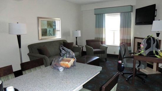 Hampton Inn & Suites Newport News (Oyster Point): Room 401