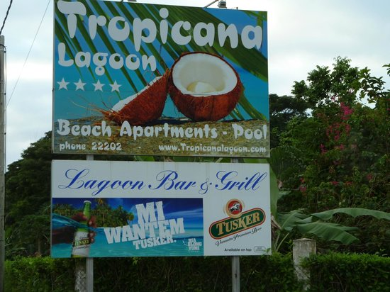 Tropicana Lagoon Apartments Resort: Roadside Sign