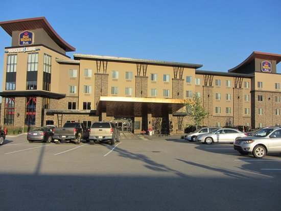 BEST WESTERN PLUS Wine Country Hotel & Suites: Front entrance