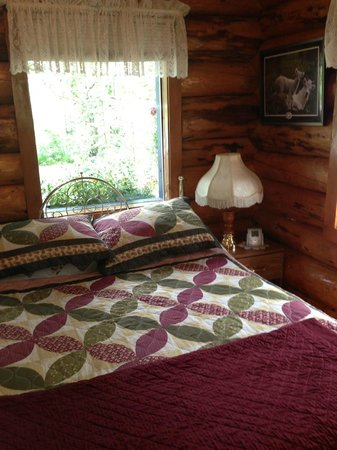 Hatcher Pass Bed & Breakfast: Cozy and clean