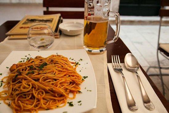 Pizzeria & Spaghetteria Storia : seafood spaghetti