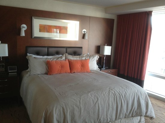 ARIA Sky Suites: Comfortable bed