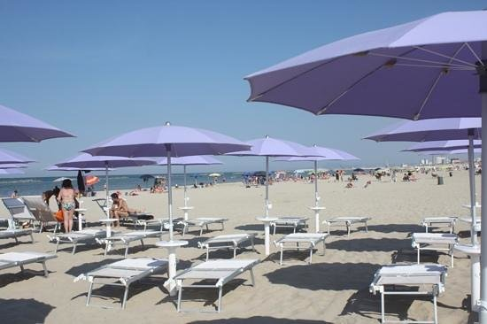 Locanda Strada della Marina: Sandy beach of nearby Senigallia