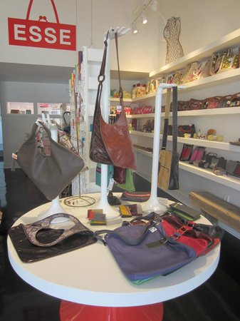 Esse Purse Museum: People love our museum store!