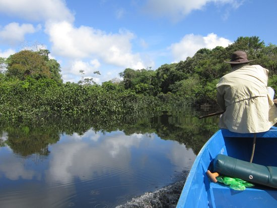 Amazonia Expeditions' Tahuayo Lodge: Canoeing