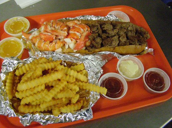 Sea Diggers Grub : Large Surf and Turf Roll with fries