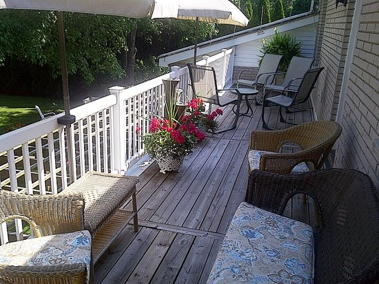 Abacot Hall Bed & Breakfast: Guest Terrace