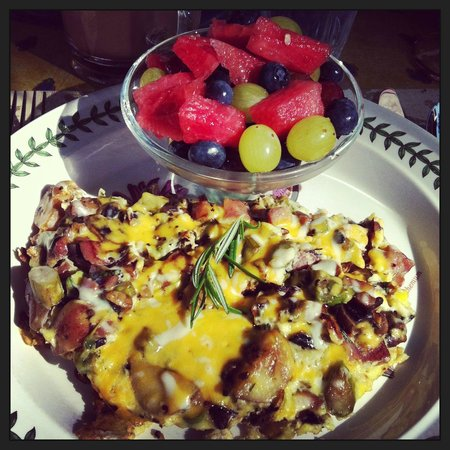 Lakeshore House: A hot healthy breakfast to start your morning!